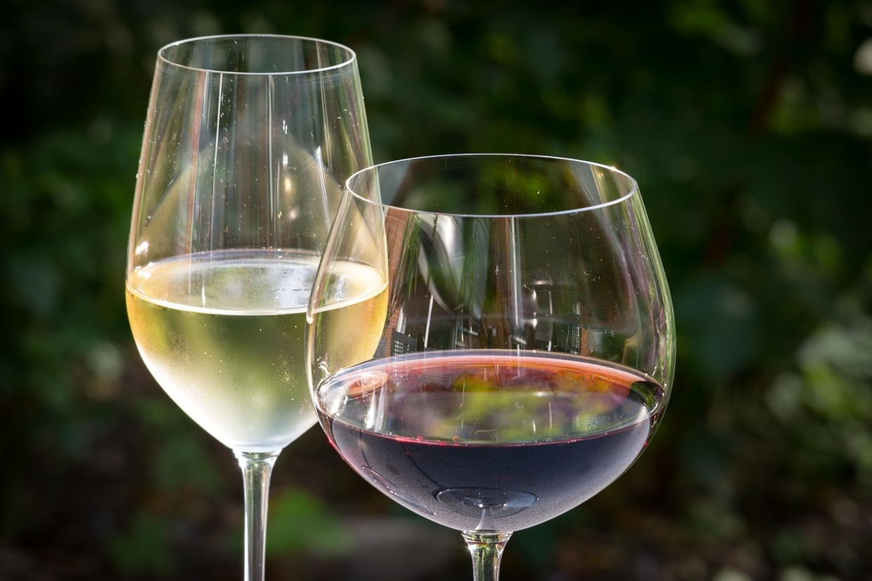 Symbolbild Wein, © Didgeman - Pixabay