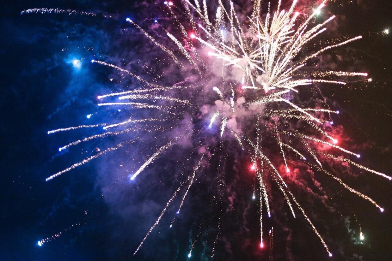 Symbolbild Feuerwerk, © picjumbo_com - Pixabay