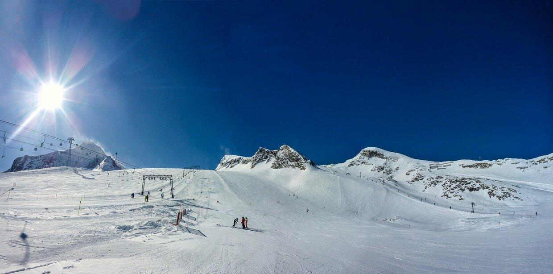 Skifahren - Piste - Symbolbild, © MonikaP - Pixabay